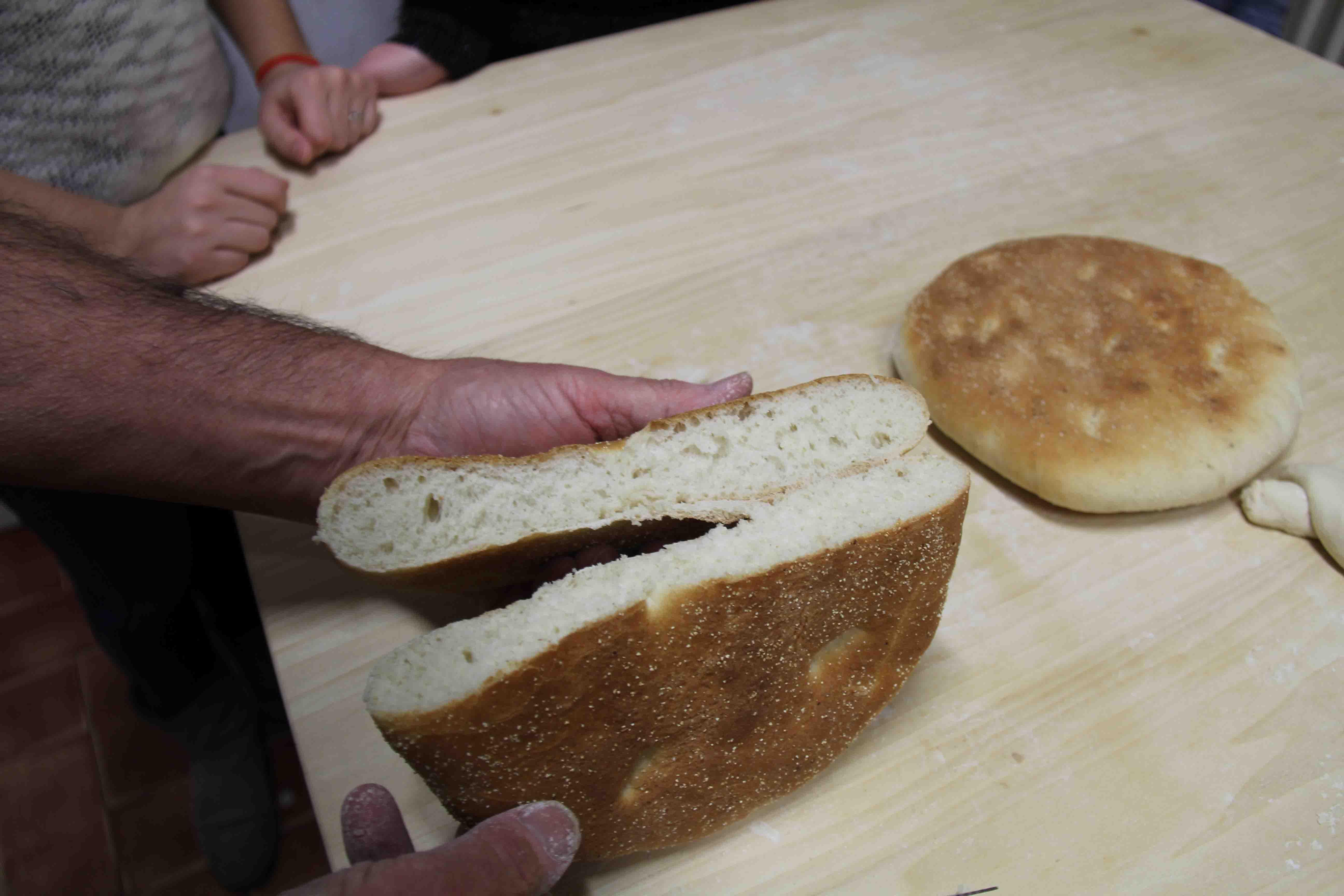 Impariamo a fare il pane arabo